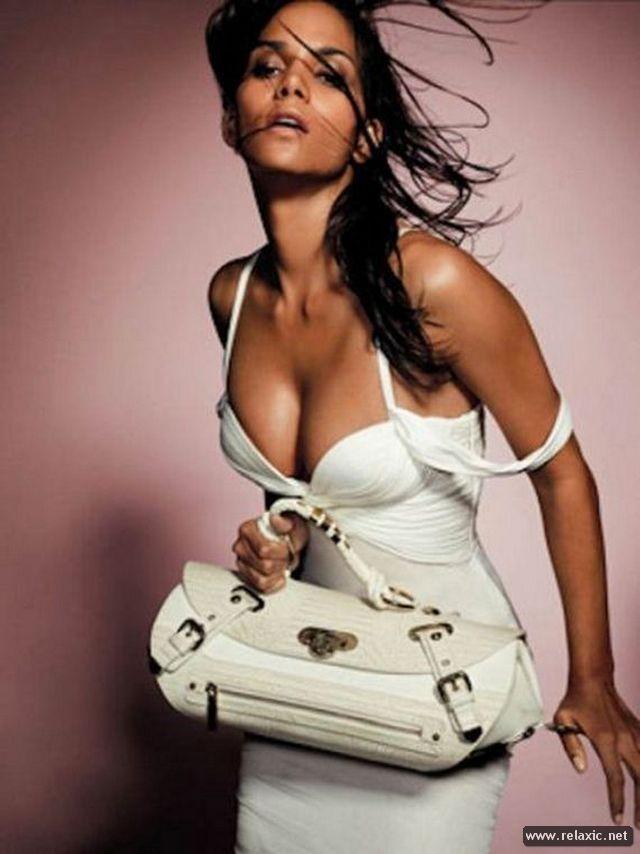 Chiêm ngưỡng nhan sắc hút hồn của Bond Girl - Halle Berry ảnh 13