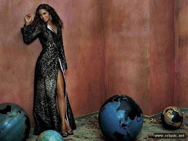 Chiêm ngưỡng nhan sắc hút hồn của Bond Girl - Halle Berry ảnh 29