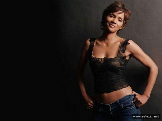 Chiêm ngưỡng nhan sắc hút hồn của Bond Girl - Halle Berry ảnh 31