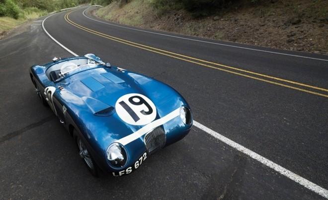 Top 10 xe giá kỷ lục tại sự kiện đấu giá Monterey 2015 ảnh 6