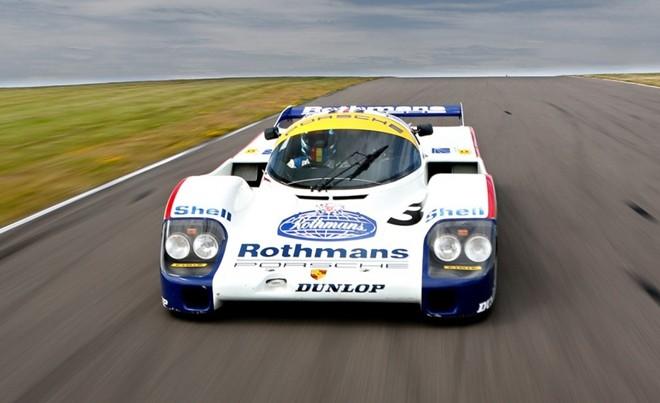 Top 10 xe giá kỷ lục tại sự kiện đấu giá Monterey 2015 ảnh 4