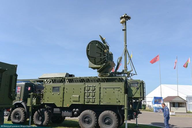 """Cận cảnh xe khí tài chế áp điện tử modul 1RL257E """"Krasuha-4"""" nổi tiếng ảnh 11"""