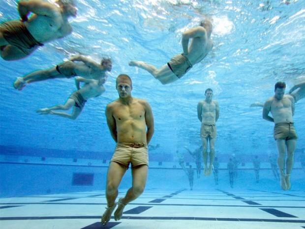 Mười phương pháp huấn luyện bộ đội điên rồ nhất trên thế giới ảnh 4