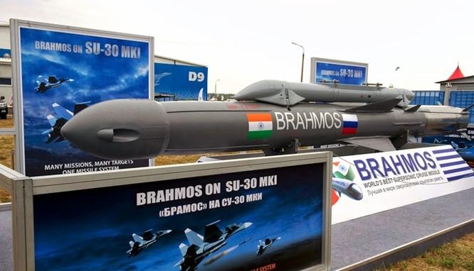 Từ năm 2016, máy bay Su-30MK sẽ được trang bị tên lửa BrahMos ảnh 1