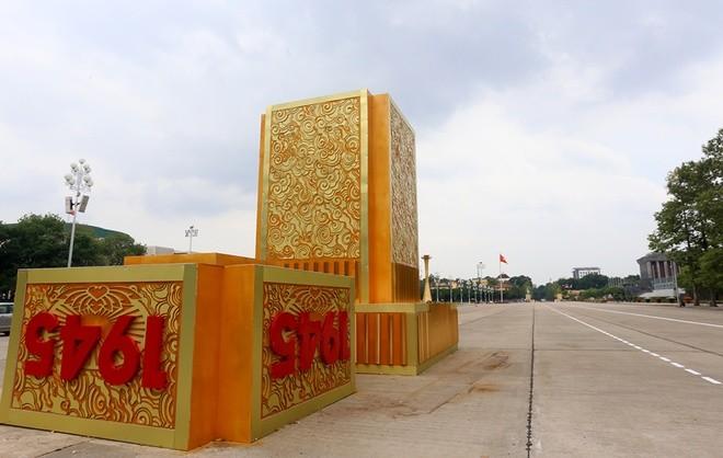 Hà Nội rực đỏ chào đón 70 năm độc lập ảnh 7
