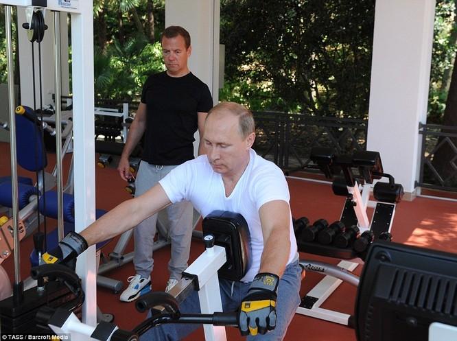 Bí mật giúp ông Putin thành người đàn ông thép ảnh 6