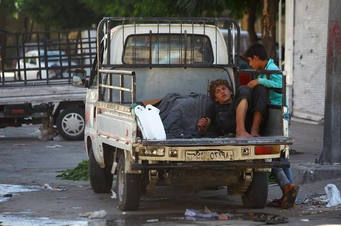 Chùm ảnh thảm họa nhân đạo trẻ em ở địa ngục Syria ảnh 24