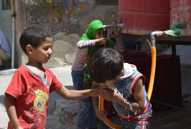Chùm ảnh thảm họa nhân đạo trẻ em ở địa ngục Syria ảnh 25