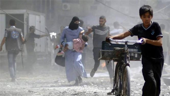 Chùm ảnh thảm họa nhân đạo trẻ em ở địa ngục Syria ảnh 32