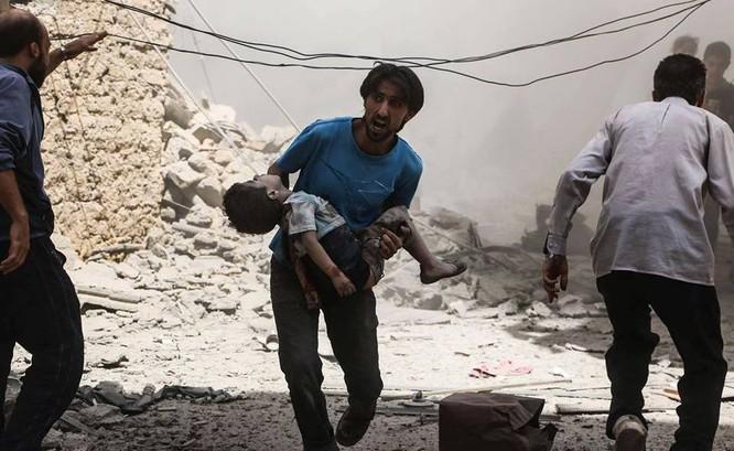 Chùm ảnh thảm họa nhân đạo trẻ em ở địa ngục Syria ảnh 55