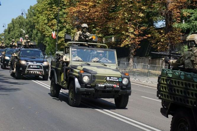 Cuộc diễu hành quân đội Ba Lan ở Warsaw ảnh 23