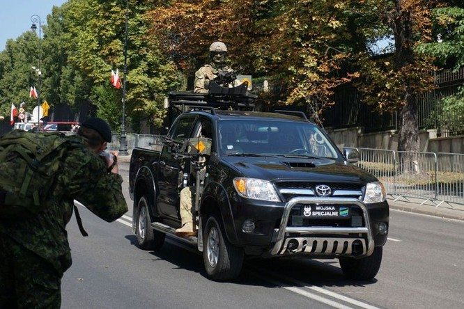 Cuộc diễu hành quân đội Ba Lan ở Warsaw ảnh 24