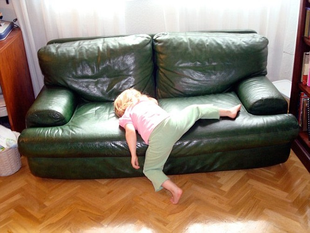 Cười ngất những tư thế ngủ khó đỡ của các thiên thần nhí ảnh 11