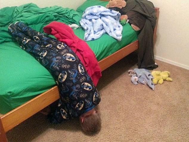 Cười ngất những tư thế ngủ khó đỡ của các thiên thần nhí ảnh 14