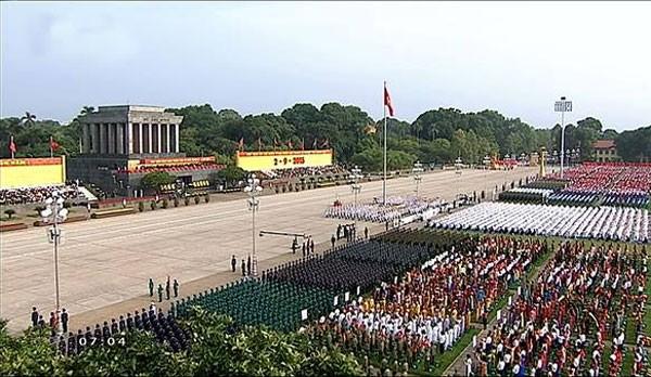 Lực lượng quân đội diễu binh qua lễ đài mừng Quốc khánh 2/9 ảnh 33