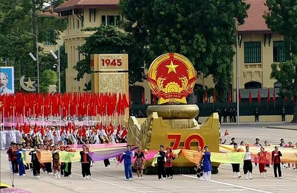 Lực lượng quân đội diễu binh qua lễ đài mừng Quốc khánh 2/9 ảnh 22
