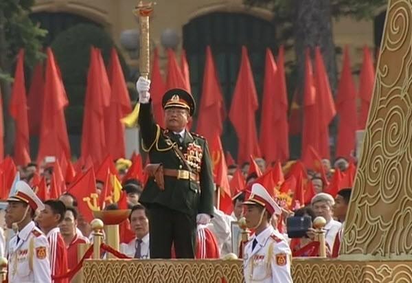 Lực lượng quân đội diễu binh qua lễ đài mừng Quốc khánh 2/9 ảnh 30
