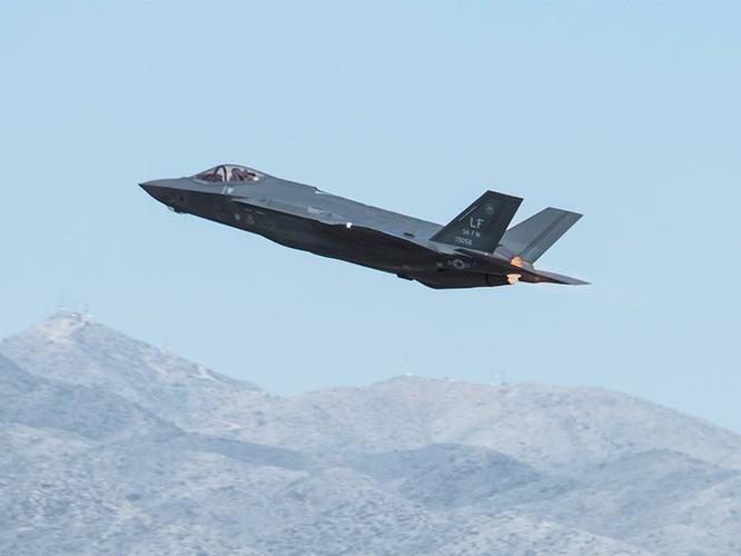 F-35 Lightning II luyện kỹ năng không chiến chống tiêm kích Nga ảnh 1