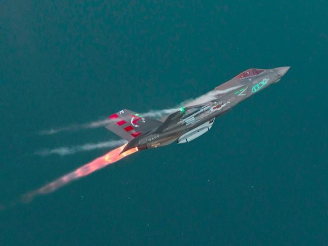 F-35 Lightning II luyện kỹ năng không chiến chống tiêm kích Nga ảnh 10