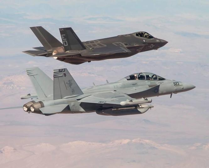 F-35 Lightning II luyện kỹ năng không chiến chống tiêm kích Nga ảnh 27