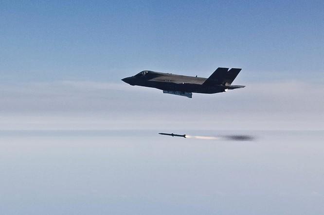 F-35 Lightning II luyện kỹ năng không chiến chống tiêm kích Nga ảnh 30