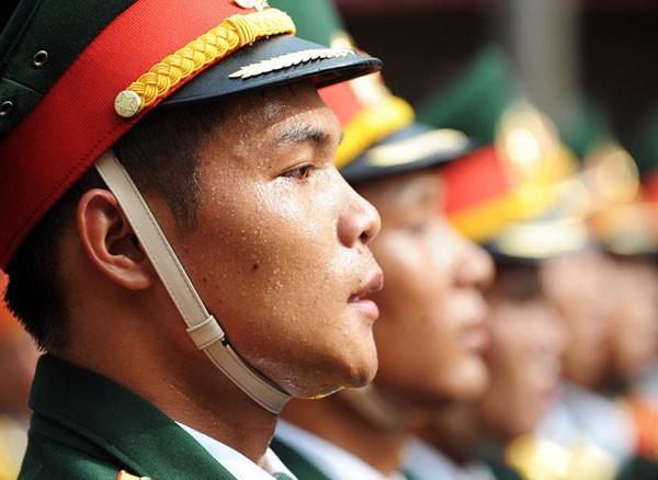 Lực lượng quân đội diễu binh qua lễ đài mừng Quốc khánh 2/9 ảnh 5