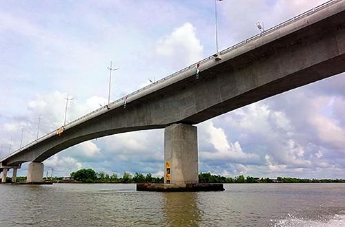 9 cây cầu giúp Đồng bằng sông Cửu Long 'cất cánh' ảnh 5