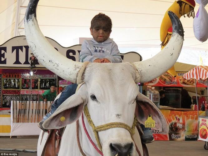 Kỳ dị gia đình Người Sói ở Mexico ảnh 22
