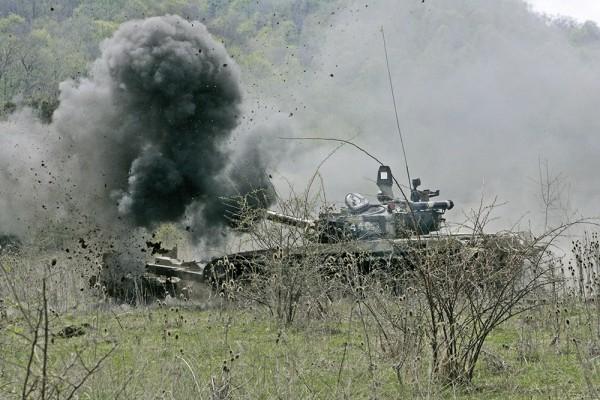 """Nga thử nghiệm sơn công nghệ """"stealth"""" cho tăng thiết giáp ảnh 2"""