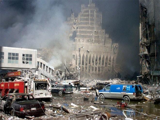 Những hình ảnh khiến người Mỹ không quên vụ 11/9 ảnh 10