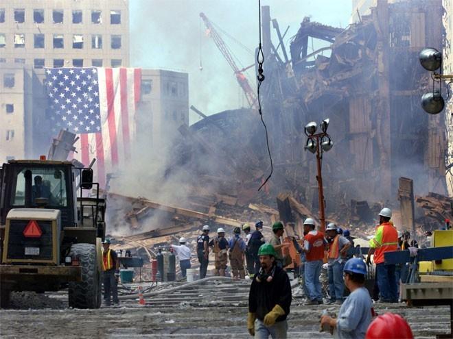 Những hình ảnh khiến người Mỹ không quên vụ 11/9 ảnh 11