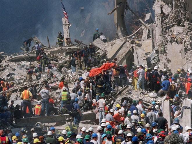 Những hình ảnh khiến người Mỹ không quên vụ 11/9 ảnh 14