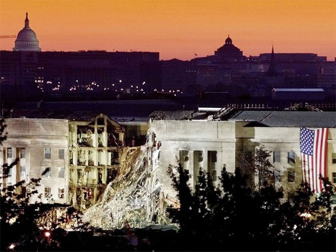 Những hình ảnh khiến người Mỹ không quên vụ 11/9 ảnh 18