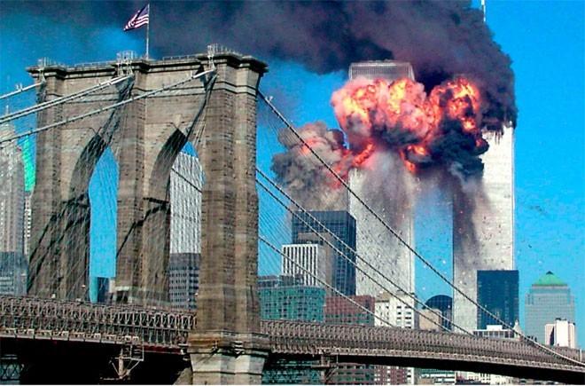 Những hình ảnh khiến người Mỹ không quên vụ 11/9 ảnh 3