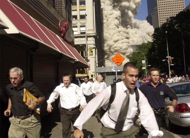 Những hình ảnh khiến người Mỹ không quên vụ 11/9 ảnh 6