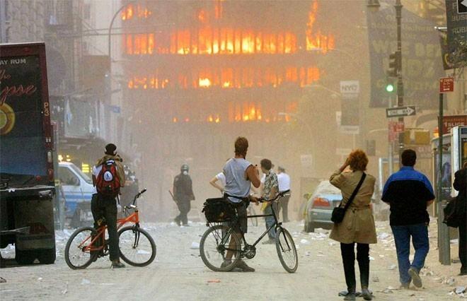 Những hình ảnh khiến người Mỹ không quên vụ 11/9 ảnh 7