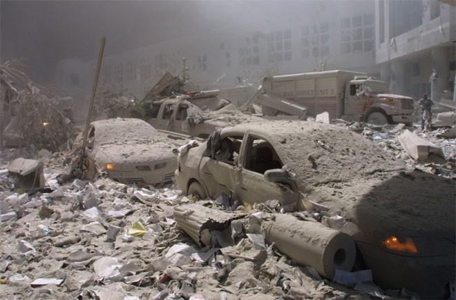 Những hình ảnh khiến người Mỹ không quên vụ 11/9 ảnh 8