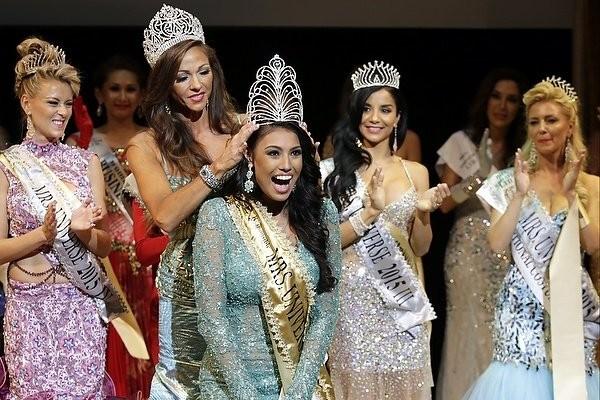 """Chiêm ngưỡng nhan sắc tuyệt vời của """"Hoa hậu Hoàn vũ"""" - cô gái của bộ lạc Indian ảnh 2"""