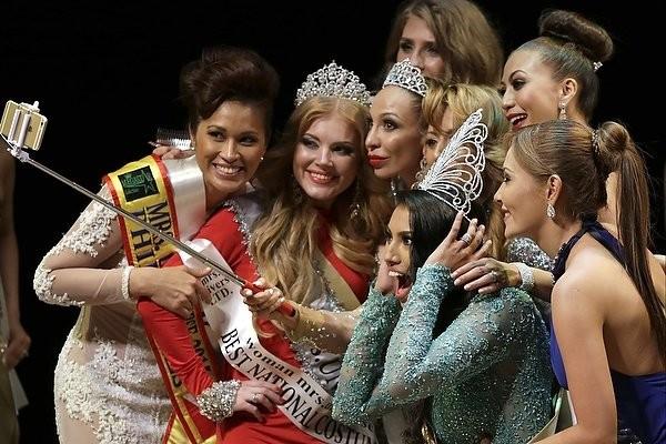 """Chiêm ngưỡng nhan sắc tuyệt vời của """"Hoa hậu Hoàn vũ"""" - cô gái của bộ lạc Indian ảnh 3"""