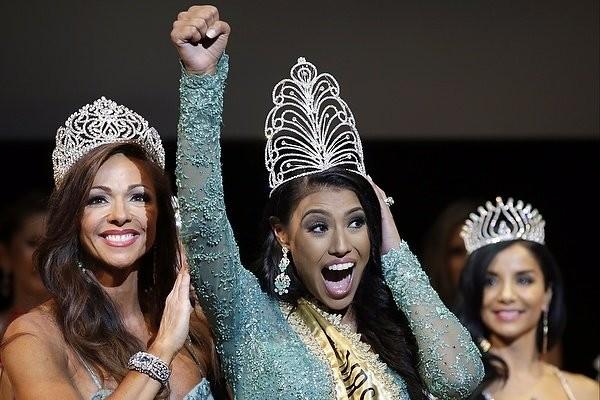 """Chiêm ngưỡng nhan sắc tuyệt vời của """"Hoa hậu Hoàn vũ"""" - cô gái của bộ lạc Indian ảnh 6"""