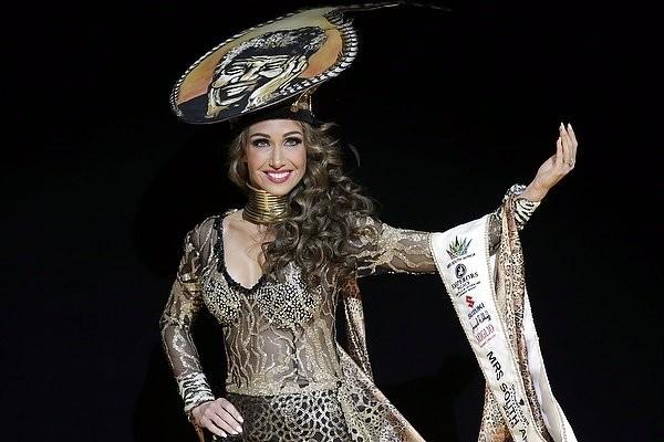 """Chiêm ngưỡng nhan sắc tuyệt vời của """"Hoa hậu Hoàn vũ"""" - cô gái của bộ lạc Indian ảnh 13"""