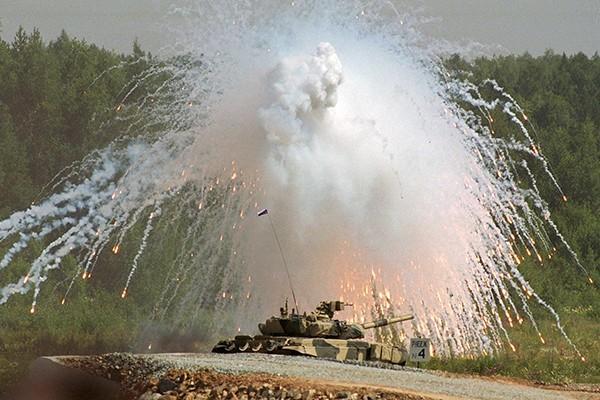 T-90 thử nghiệm thực tế chiến đấu trong sa mạc ảnh 2
