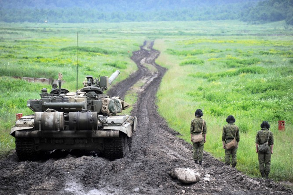 T-90 thử nghiệm thực tế chiến đấu trong sa mạc ảnh 5