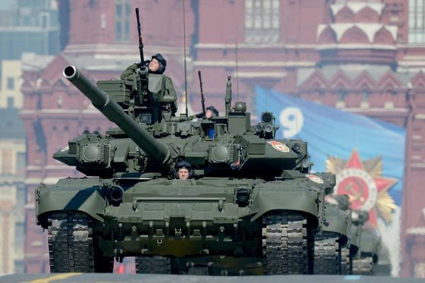 T-90 thử nghiệm thực tế chiến đấu trong sa mạc ảnh 6
