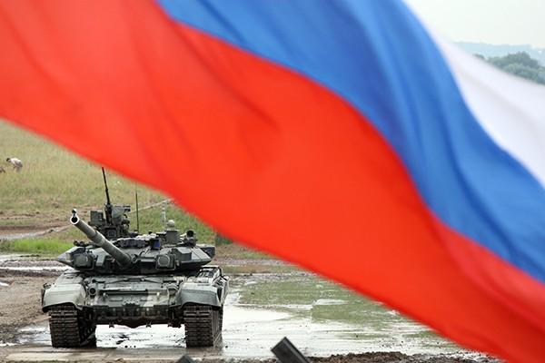 T-90 thử nghiệm thực tế chiến đấu trong sa mạc ảnh 7