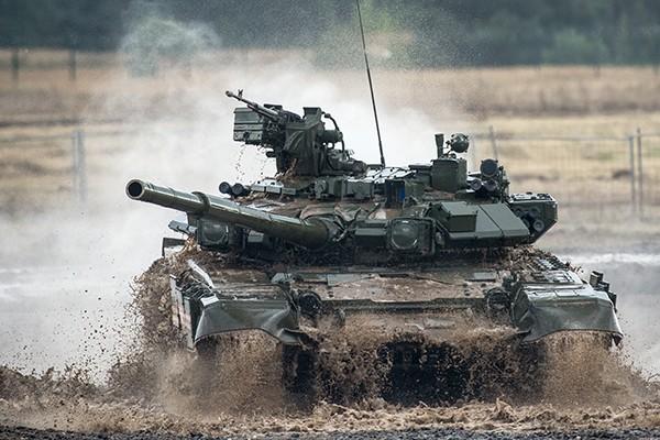 T-90 thử nghiệm thực tế chiến đấu trong sa mạc ảnh 9