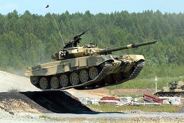 T-90 thử nghiệm thực tế chiến đấu trong sa mạc ảnh 10
