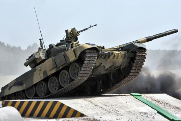 T-90 thử nghiệm thực tế chiến đấu trong sa mạc ảnh 12