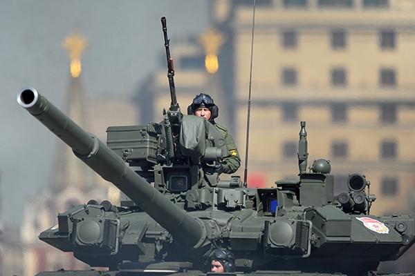 T-90 thử nghiệm thực tế chiến đấu trong sa mạc ảnh 13