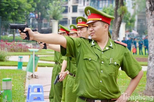 Xem chiến sĩ cảnh sát tập luyện với súng ngắn hiện đại - ảnh 8